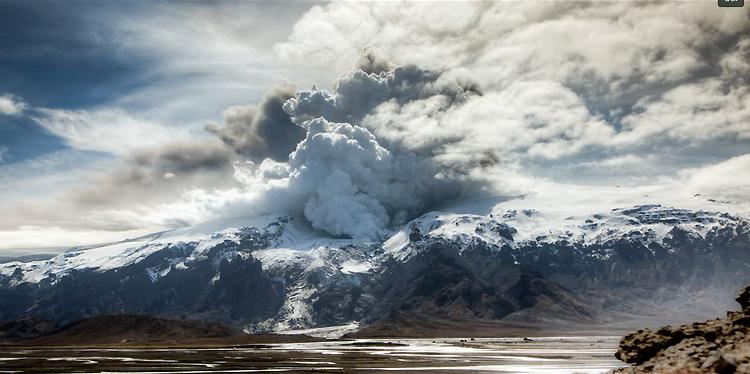 Исландия и вулкан Эйяфьядлайёкудль