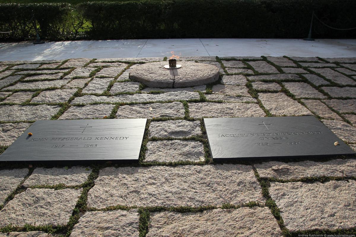 Арлингтон, Вирджиния. Арлингтонское кладбище, могила Кеннеди