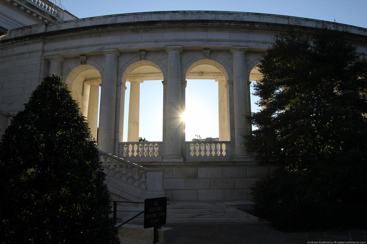 Арлингтон, Вирджиния. Арлингтонское кладбище, мемориальный амфитеатр
