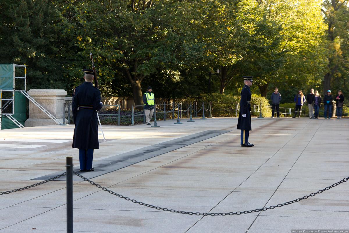 Арлингтон, Вирджиния. Арлингтонское кладбище, могила неизвестного солдата