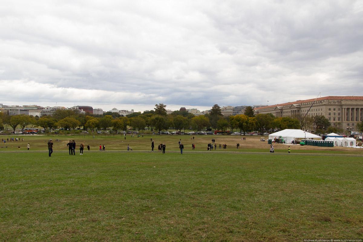 Вашингтон, округ Колумбия. Около монумента Вашингтона