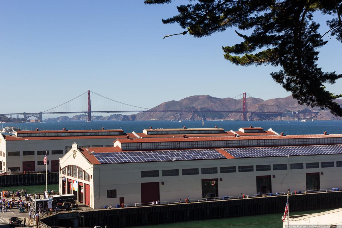 Сан-Франциско. Форт-Мейсон, вид на мост Золотые ворота